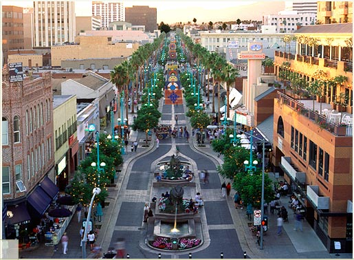 Downtown Santa Monica District
